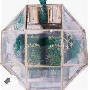🆕 Winter Vanilla Bath Essentials Ornament Set